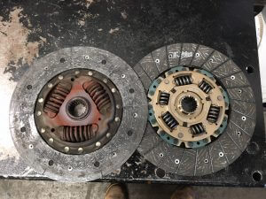 04 Hiace old and new clutch